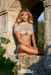 Samantha_Hoopes_SI_2015_img02